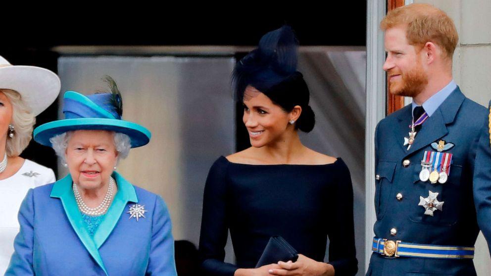 Queen Elizabeth kündigt die