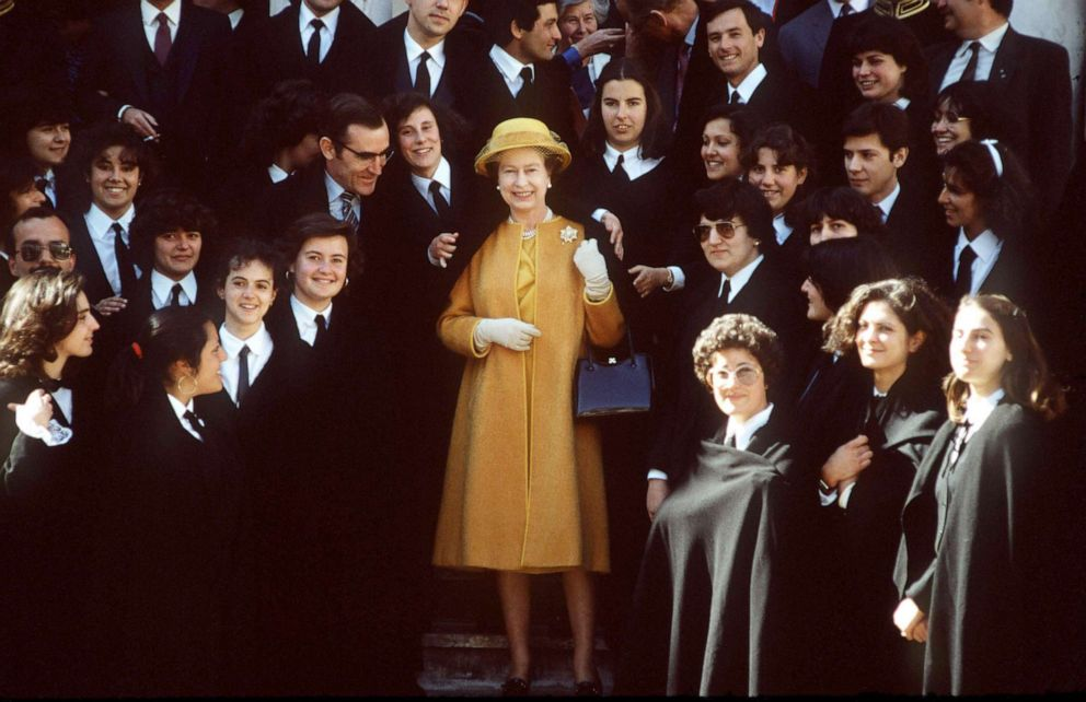 PHOTO: Queen Elizabeth II visits with students at Evora University in Evora, Portugal, March 28, 1985.