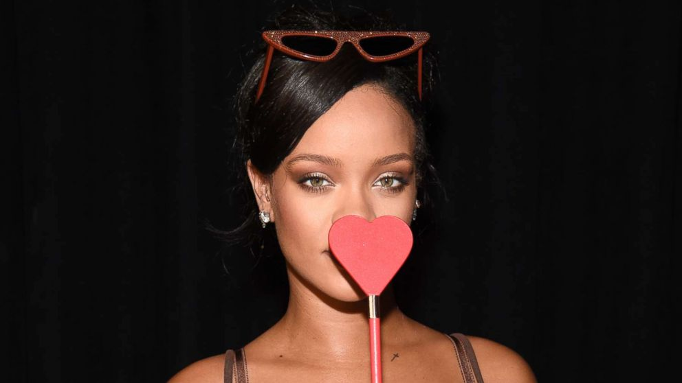 rihanna launches new 39 savage x fenty 39 subscription box for. Black Bedroom Furniture Sets. Home Design Ideas