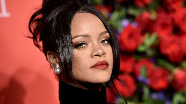 Yes, Rihanna turned down Super Bowl halftime show in solidarity with Kaepernick: 'I just couldn't be a sellout'