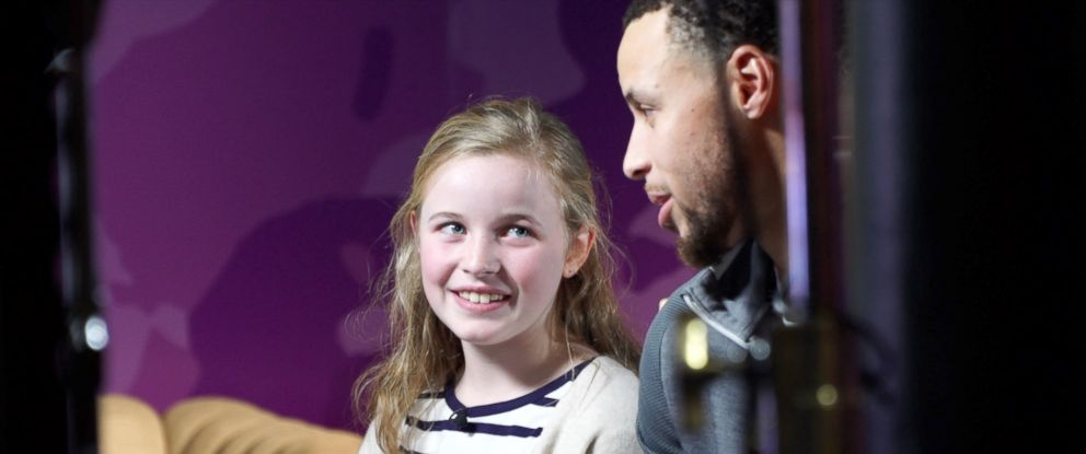 PHOTO: Riley Morrison met her basketball idol Stephen Curry at a pop-up event in Oakland, Calif.