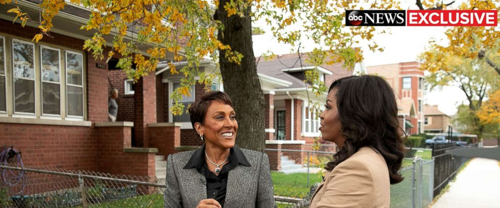 "PHOTO: Former first lady Michelle Obama speaks to ABC News Robin Roberts for a prime-time ABC special on her memoir, ""Becoming."""