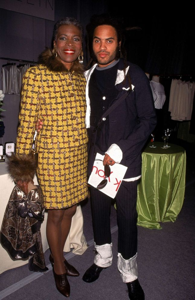 PHOTO: Singer Lenny Kravitz (R) with his mother, actress Roxie Roker in 1995.