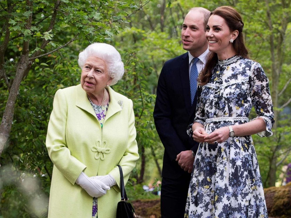 PHOTO: Britains Queen Elizabeth II, Catherine, Duchess of Cambridge and Prince William, Duke of Cambridge during their visit to the 2019 RHS Chelsea Flower Show in London, May 20, 2019.