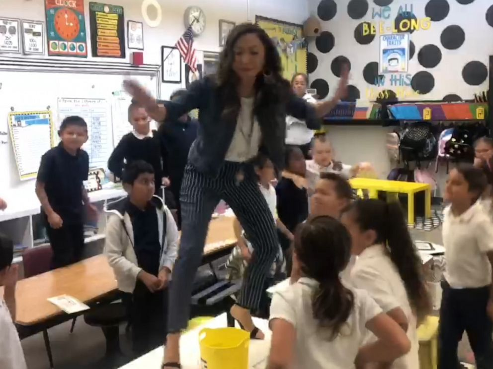 PHOTO: Los Medanos Elementary School teacher Dorothy Honey Mallari remixed a Lizzo song with her students.