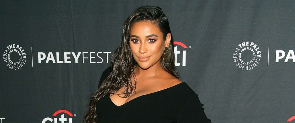 """PHOTO: Shay Mitchell of """"Dollface"""" attends The Paley Center for Medias 2019 PaleyFest Fall TV Previews, Sept. 10, 2019, in Beverly Hills, Calif."""