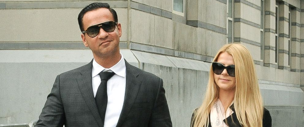 PHOTO: Mike Sorrentino and Lauren Pesce leave federal court in Newark, N.J., after being sentenced to 8-months in prison for tax evasion.