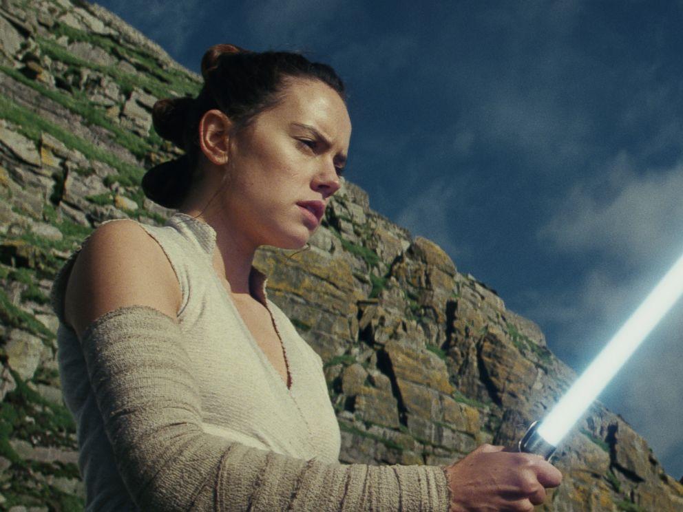 PHOTO: Daisy Ridley stars in Lucasfilms, Star Wars: The Last Jedi.