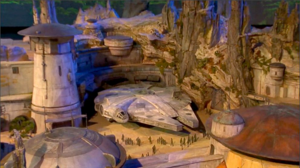 PHOTO: Star Wars: Galaxys Edge is a new land coming to Disneys Hollywood Studios in 2019.