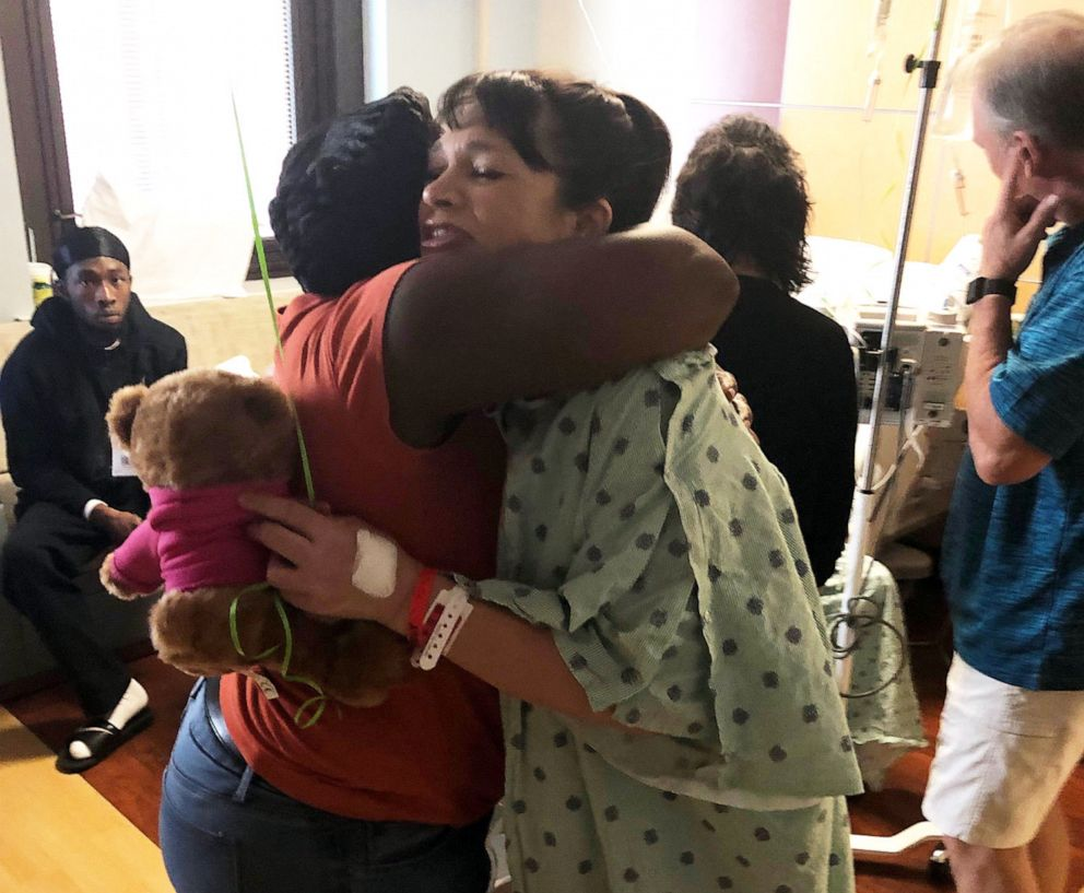 PHOTO: Kidney donor Starr Gardy, pictured hugging Lashonda Pugh in the hospital, donated her kidney to Pughs son after seeing a plea for a donor written on the back of his mothers car.