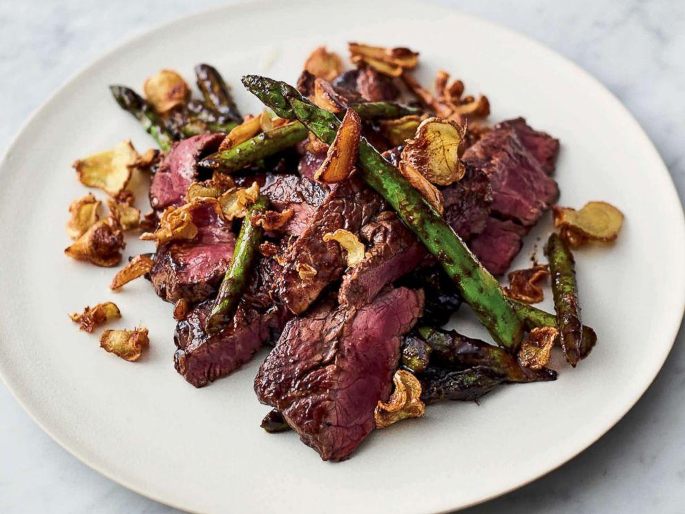 PHOTO: Jamie Olivers quick steak stir-fry from his new cookbook 5 Ingredients Quick & Easy Food.