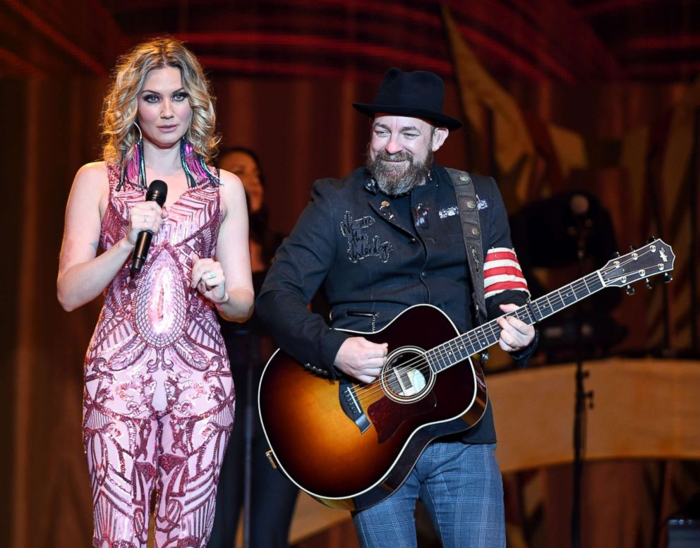 PHOTO: Jennifer Nettles and Kristian Bush of Sugarland perform during a stop of the duos Still the Same Tour in support of the new album Bigger at the Mandalay Bay Events Center, June 16, 2018, in Las Vegas.