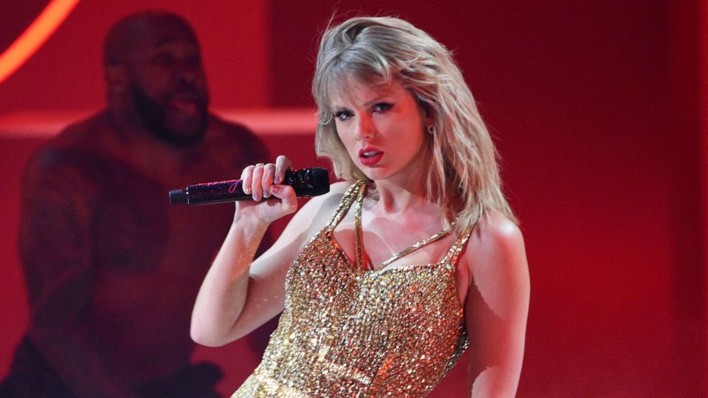 Taylor Swift won't tour next year so that she can prioritize her family