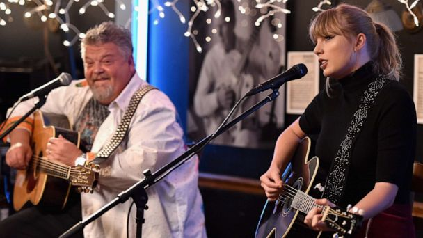 Taylor Swift returns to perform at The Bluebird Cafe in Nashville where she got her break