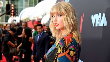 Taylor Swift Marks 13th Anniversary Of Her Debut Album Abc News