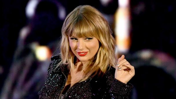 Taylor Swift to be named Artist of the Decade at the American Music Awards