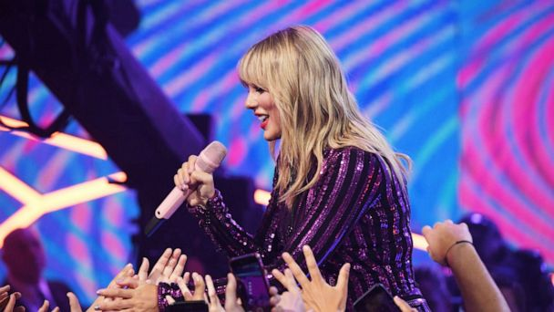 Taylor Swift makes superfan's dreams come true by paying her student loan debt