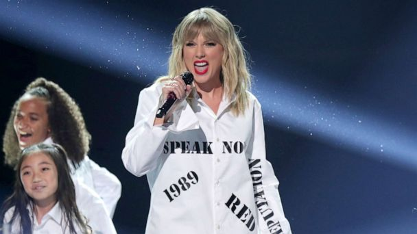Taylor Swift performs medley of hits at American Music Awards following controversy