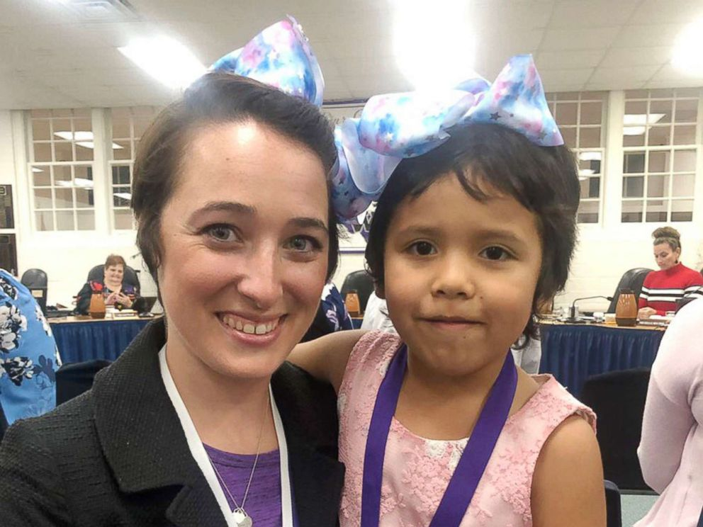 PHOTO: Shannon Grimm, a second year kindergarten teacher at Meador Elementary School in Willis, Texas, cut her hair in January after kindergartner, Prisilla Perez, 5, was apparently being teased by classmates for her new haircut.