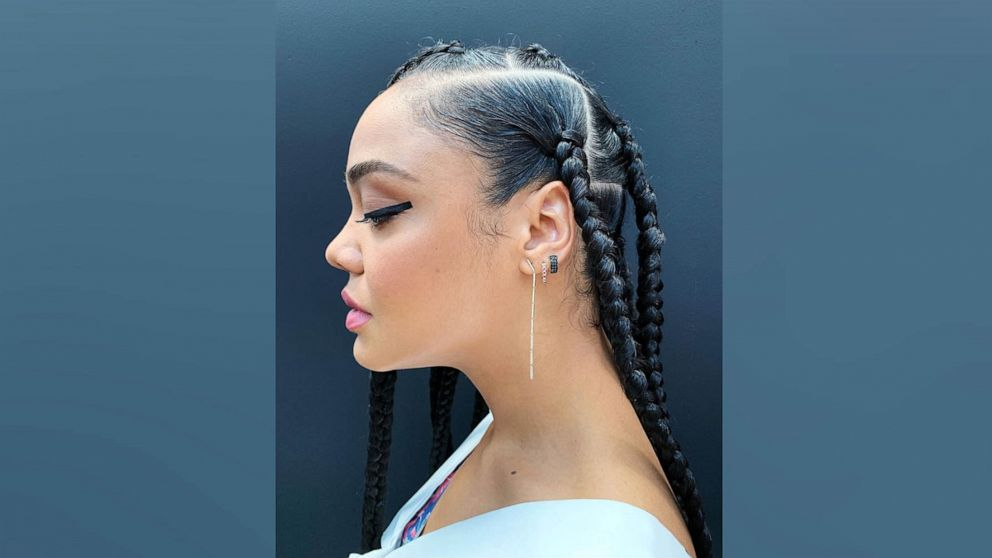 5 Reasons Why Women Are Opting For Knotless Box Braids Gma For a bold and sizzling look, get these red. opting for knotless box braids