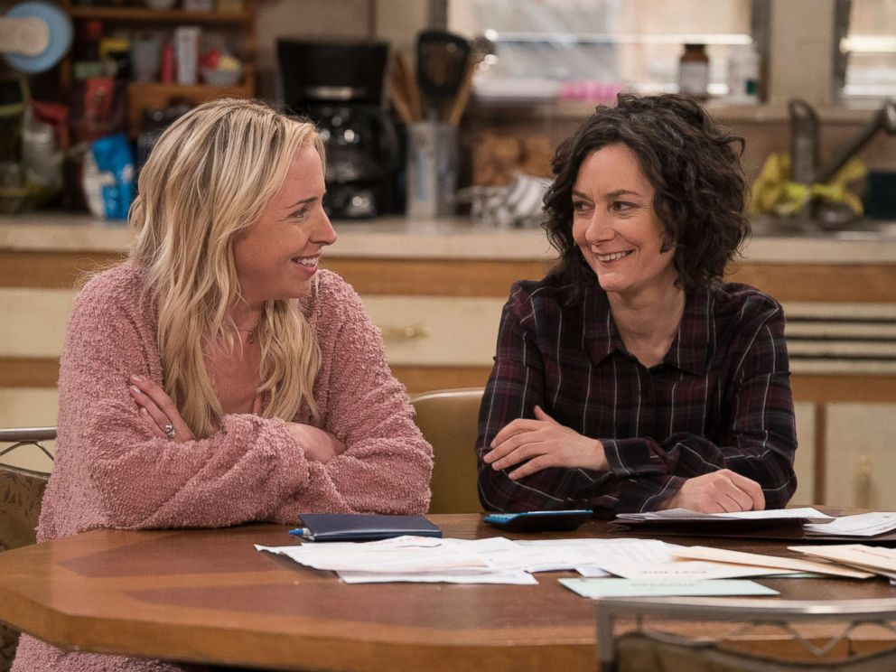 PHOTO: Lecy Goranson and Sara Gilbert in a scene from The Conners.