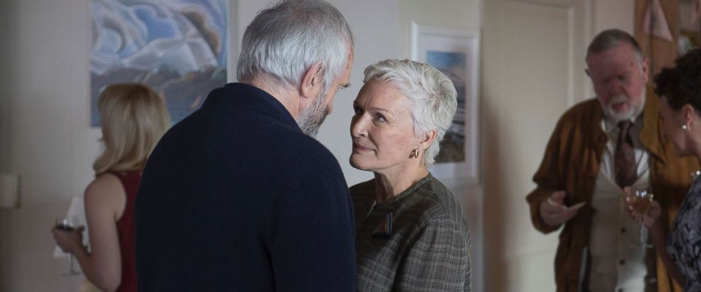 "PHOTO: A scene from the movie, ""The Wife"" with Jonathan Pryce as Joe and Glenn Close as Joan."
