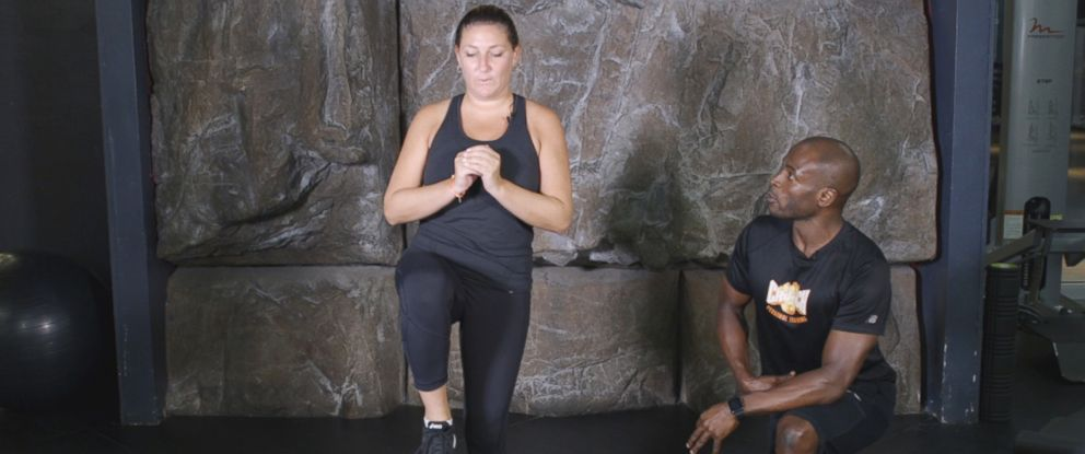 PHOTO: Lee Lawrence, a personal trainer, trains Brooke Culter at Crunch Fitness in New York.