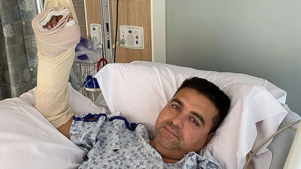 'Cake Boss' star Buddy Valastro posts photo from hospital ...