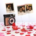 This DIY rock photo holder is the perfect gift for your loved one if you're on a budget.