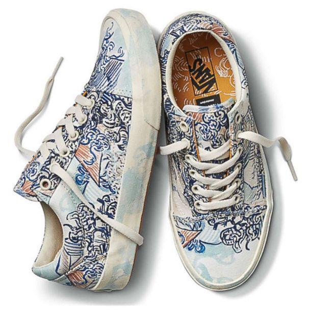 entrada Eso Administración  Vans has a new Van Gogh collection that's good for the sole | GMA
