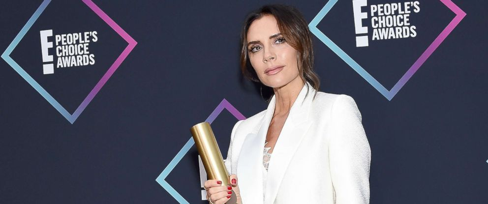 PHOTO: Victoria Beckham, recipient of the 2018 Fashion Icon Award, poses in the press room at the Peoples Choice Awards 2018 at Barker Hangar, Nov, 11, 2018, in Santa Monica, Calif.