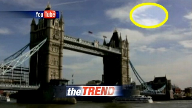 VIDEO: Tourist films UFOs over London, England.