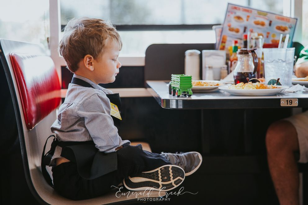 PHOTO: A young boy celebrated his third birthday at Waffle House in Buford, Georgia.