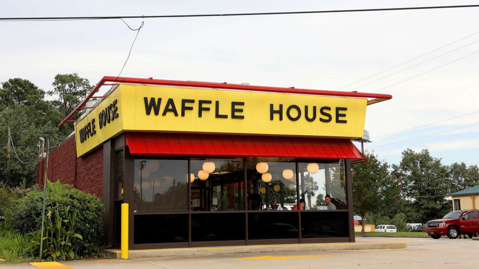 Waffle House Index The Unofficial Barometer For How Bad Things Are Dips Into The Red Abc News