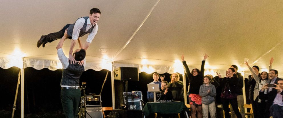 "PHOTO: Noah Aberlin and PJ Simmons nailed the ""Dirty Dancing"" lift at their Oct. 7, 2018, wedding in Coxsackie, N.Y."