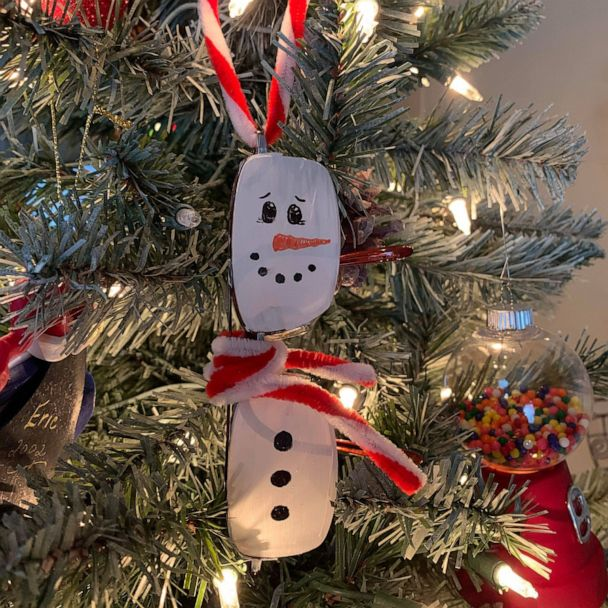 Woman Makes Heartwarming Christmas Ornament From Late Husband S Glasses Gma
