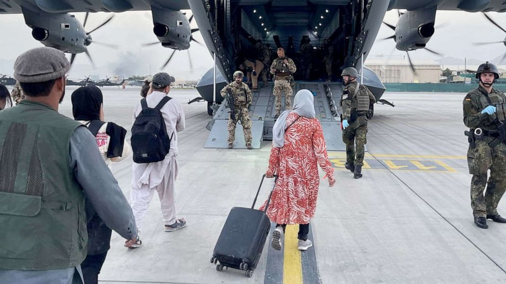 afghanistan-evacuation-taliban-03-rt-llr-210819_1629395999322_hpMain_16x9_992.jpg