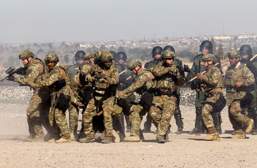 PHOTO: Border Patrol, Immigration and Customs Enforcement (ICE) and Customs and Border Protection (CBP) agents take part in a safety drill in Sunland Park, New Mexico, Jan. 31, 2019.