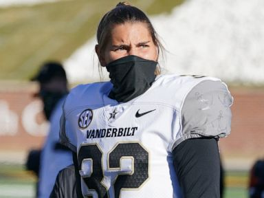 Sarah Fuller becomes 1st woman to play in Power 5 football game