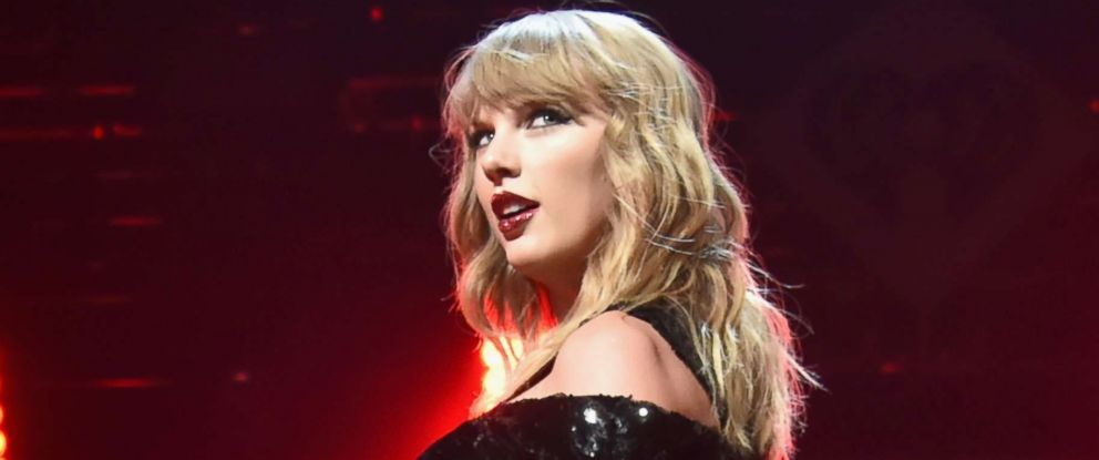 PHOTO: Taylor Swift performs onstage at the Z100s Jingle Ball 2017, Dec. 8, 2017, in New York City.