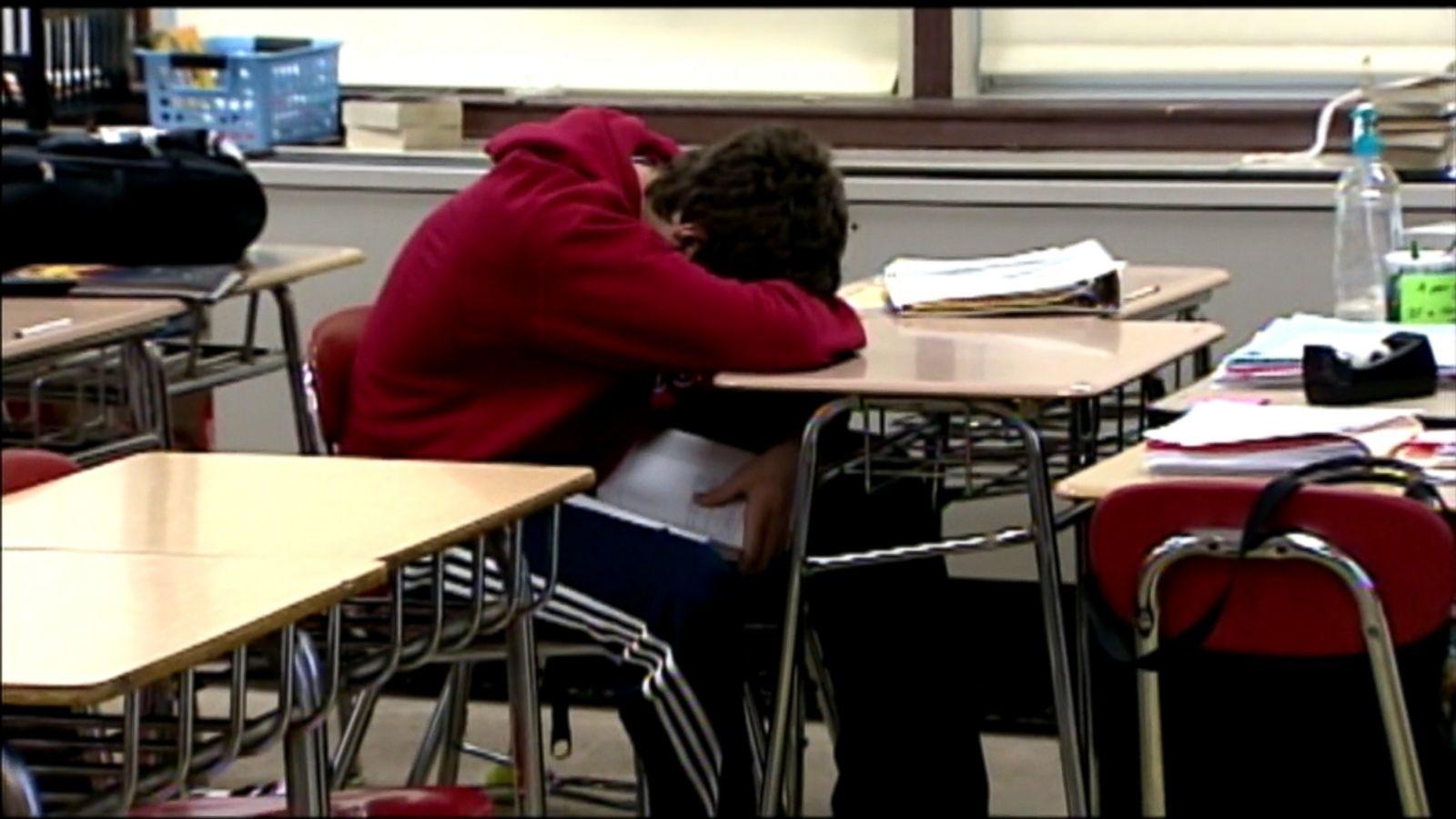 Later school start times help teens' moods, study says - ABC News