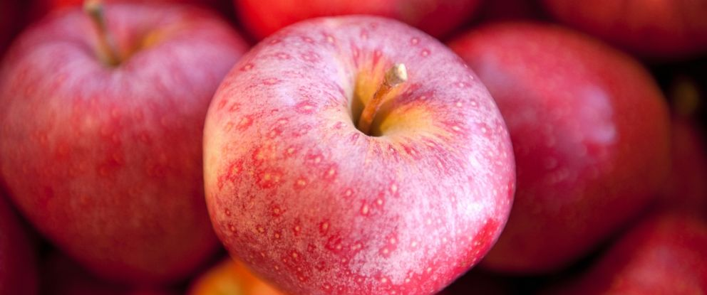 PHOTO: The new Dartmouth University study found an apple didnt prevent doctors visits but did mean fewer trips to the pharmacy.