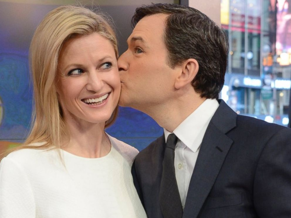 PHOTO: Dan Harris and his wife Bianca wait backstage on the set of Good Morning America on March 11, 2014 in New York City.