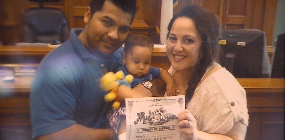 PHOTO: Erick Munoz is contesting the decision to keep his wife, Marlise, on life support.