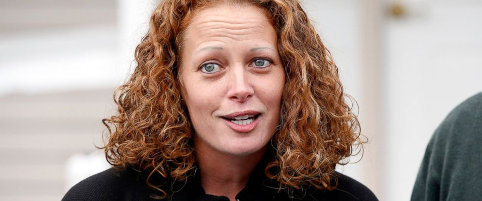PHOTO: Nurse Kaci Hickox speaks to reporters outside their home, Oct. 31, 2014, in Fort Kent, Maine.