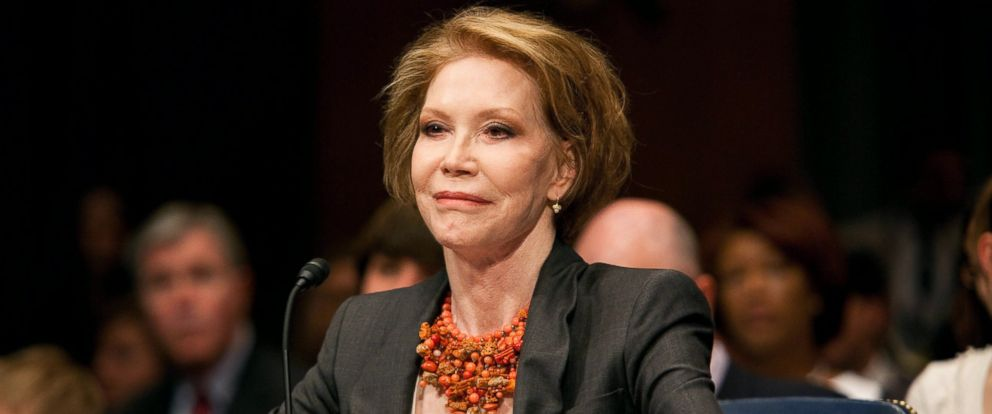 PHOTO: Mary Tyler Moore testifies at a Senate hearing for JDRF on the need for Federal funding for Type 1 Diabetes research at the Senate Dirksen Building, June 24, 2009, in Washington.
