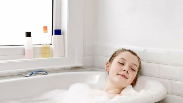 PHOTO: Taking a bath before bed might make it harder to fall asleep. Take one earlier in the evening.