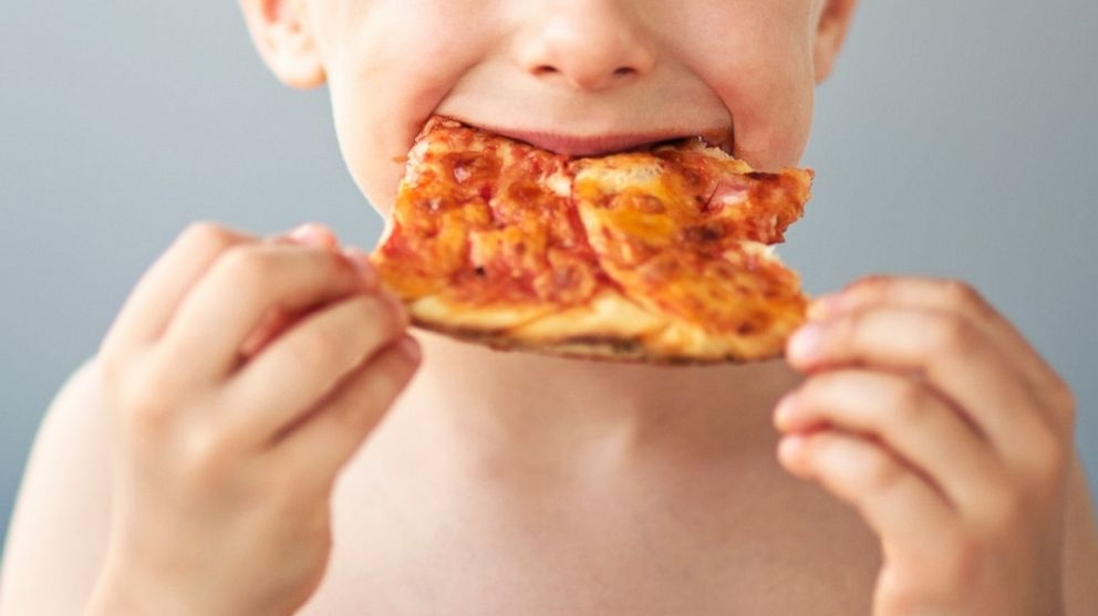 Kids Eat 30 More Calories After Commercials For Unhealthy Foods Study Finds