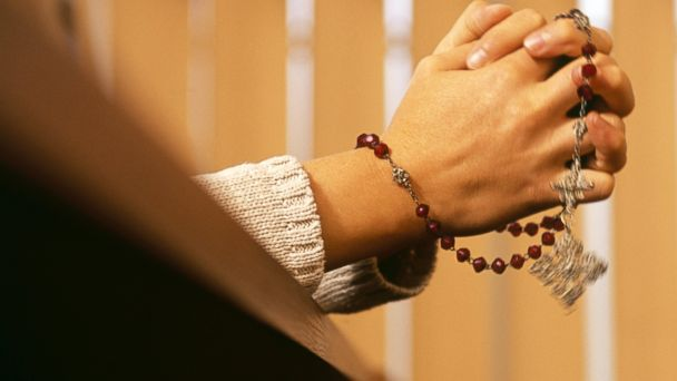 Faith-based diets use prayer to help take off pounds.