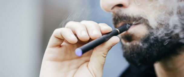 5 Things You Need to Know About E-Cigarettes - ABC News